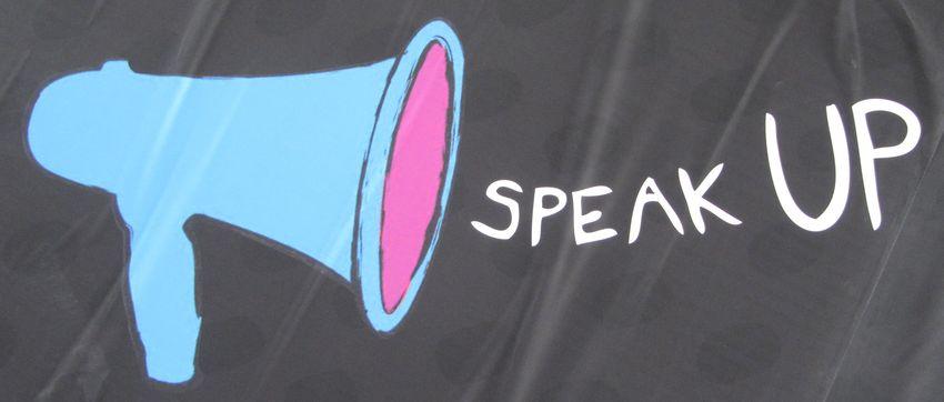 Megafoon - Afbeelding van Flickr.com, Howard Lake, CC-licentie
